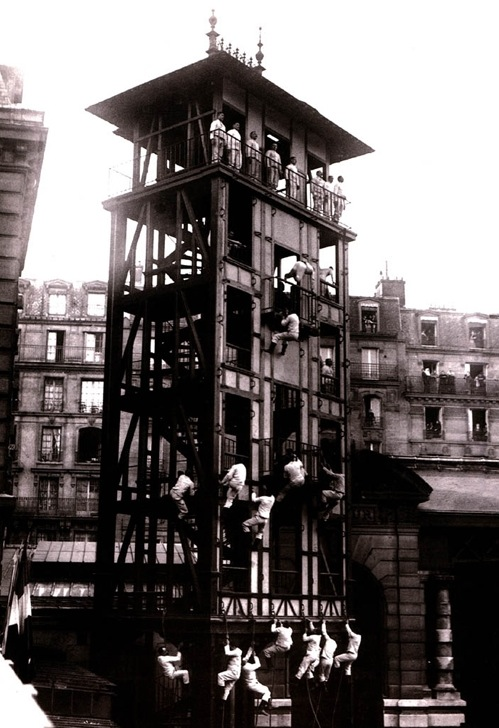 Training of the firefighters of Paris