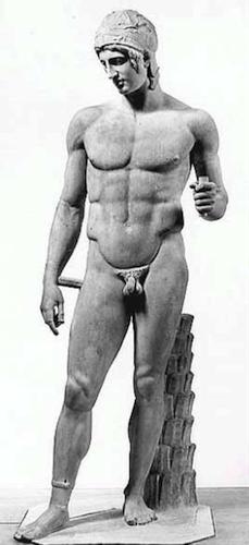 Antique sculpture representing ideal athleticism.
